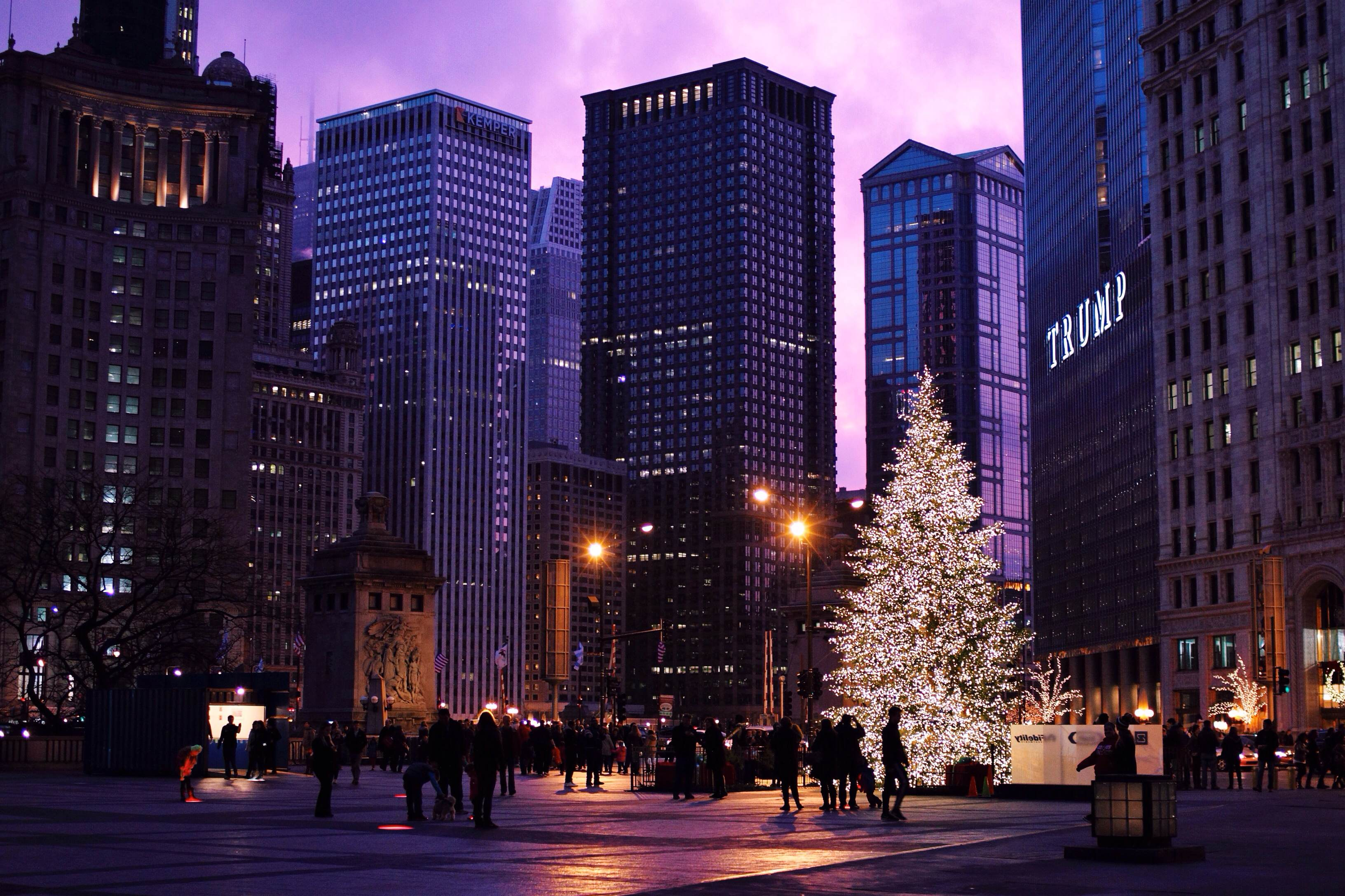 Christmas In Chicago Skyline.636175512610431802 452613605 Michigan Avenue Christmas Tree